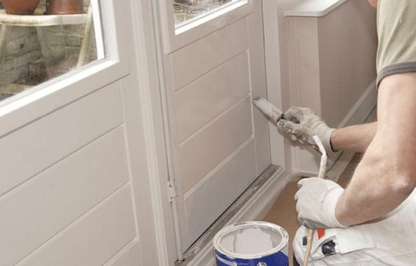 Deuren verven of spuiten wat is het mooiste de schilder for Wat kost een huis schilderen